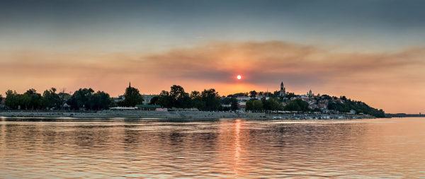 Zemun-sunset-Danube-river-with-Pupin-Bridge